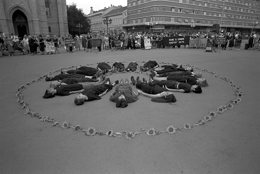 Mujeres de Negro contra la Guerra, por el abrazo de los pueblos Carta desde Madrid a la Red Internacional