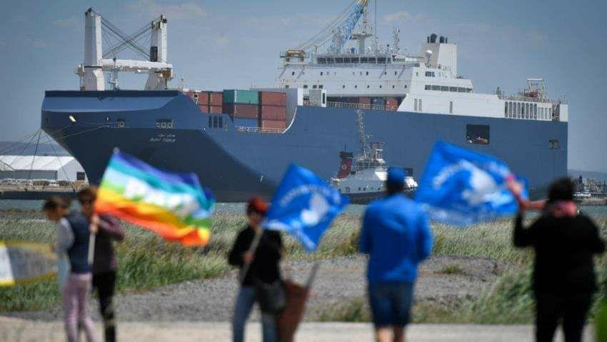La naviera que transportó las  bombas láser a Arabia Saudí recala esta semana en Sagunto Rechazemos, firmando en http://bit.ly/PuertosSinArmas, un atraque vinculado a más masacres en Yemen