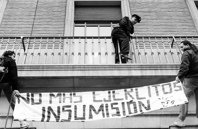 La historia de la insumisión: perseverancia, imaginación y mucho coraje Tras veinte años sin mili revisitamos la entrevista a un insumiso preso.